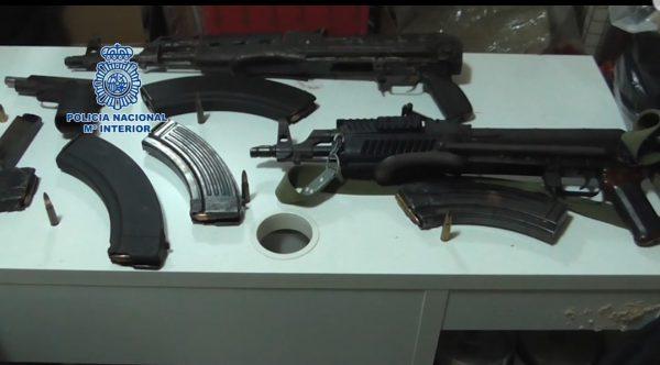 La Policía Nacional interviene más de dos toneladas de hachís y armas de guerra a una organización asentada en Murcia