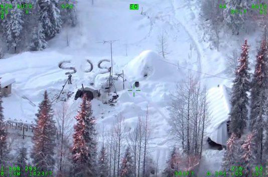 Alaska policia rescate nieve