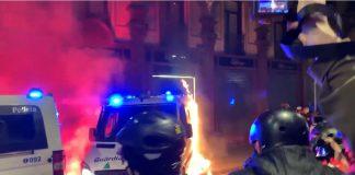queman furgoneta de guardia urbana